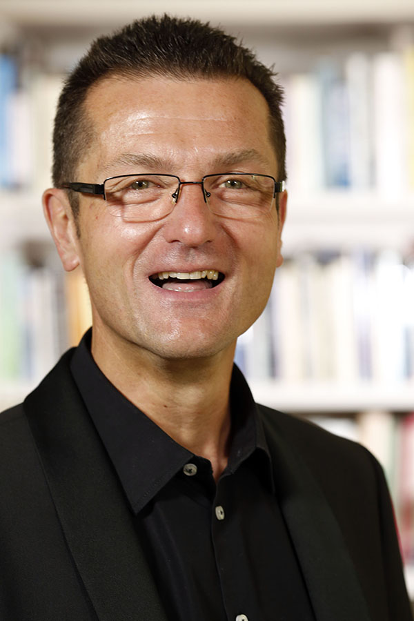 Prof. Dr. Oliver Scheiding